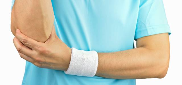 テニス肘は病院で何科を受診する?放置して慢性化する前にやるべき4つのこと